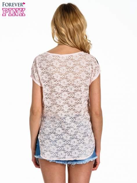 Jasnoróżowy panterkowy t-shirt z koronkowym tyłem                                  zdj.                                  4