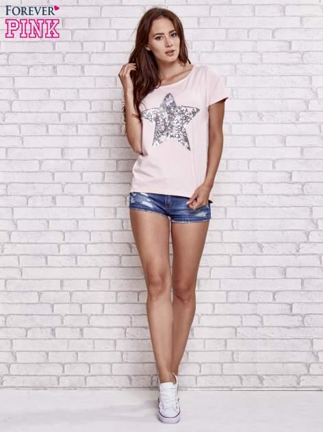 Jasnoróżowy t-shirt z gwiazdą z cekinów                                  zdj.                                  2