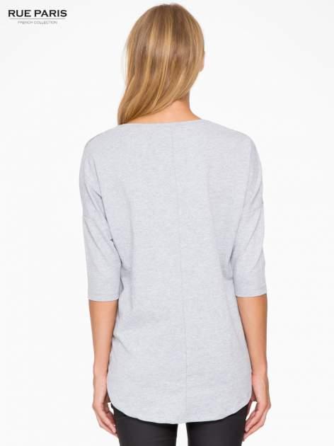 Jasnoszara bluza oversize z nadrukiem kwiatowym                                  zdj.                                  4