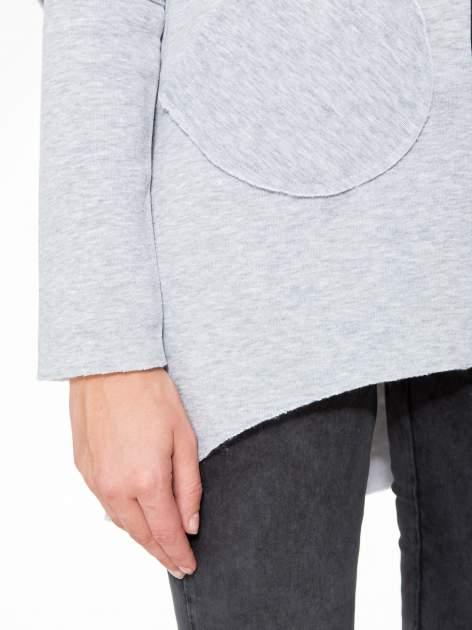 Jasnoszara bluza z kapturem i dłuższym tyłem                                  zdj.                                  9