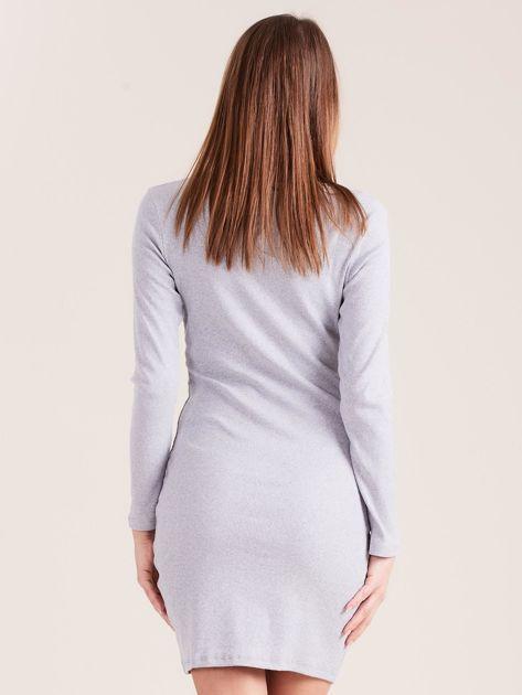 Jasnoszara dopasowana sukienka z guzikami                              zdj.                              2