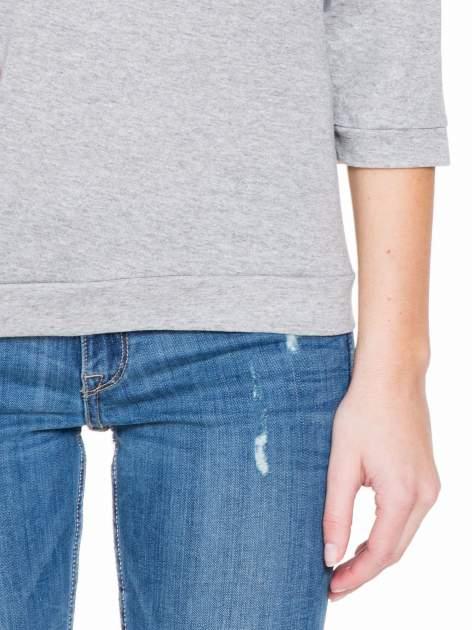 Jasnoszara gładka bluzka z luźnymi rękawami 3/4                                  zdj.                                  6