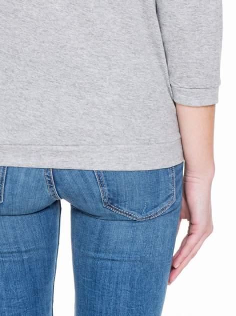 Jasnoszara gładka bluzka z luźnymi rękawami 3/4                                  zdj.                                  8