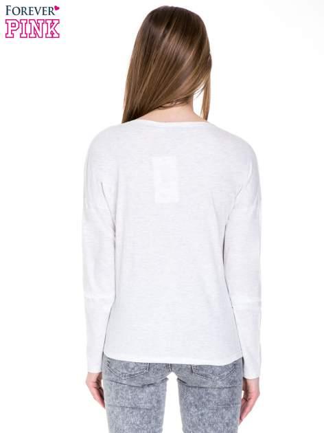 Jasnoszara melanżowa bawełniana bluzka z dekoltem typu woda                                  zdj.                                  4