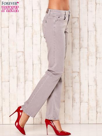 Jasnoszare spodnie o prostym kroju                                  zdj.                                  3