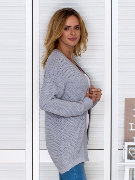 Jasnoszary fakturowany otwarty sweter                                   zdj.                                  3