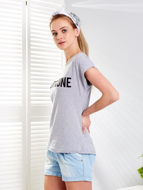 Jasnoszary t-shirt NOT ALONE                              zdj.                              5