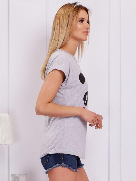Jasnoszary t-shirt z pandą                              zdj.                              3