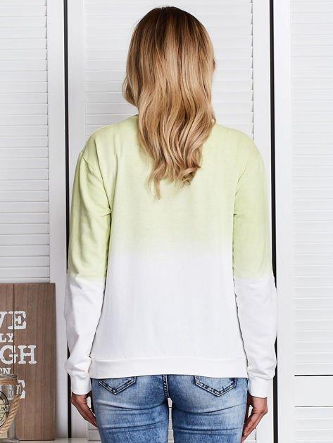 Jasnozielona bluza ombre z napisem                              zdj.                              2