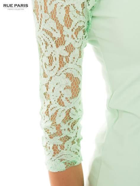 Jasnozielona bluzka z koronkowymi rękawami długości 3/4                                  zdj.                                  4