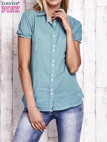 Jasnozielona koszula w drobne paski