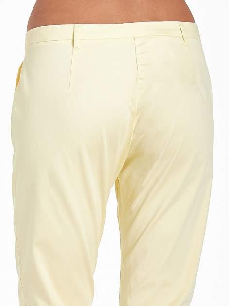 Jasnożółte eleganckie spodnie za kolano                                  zdj.                                  7
