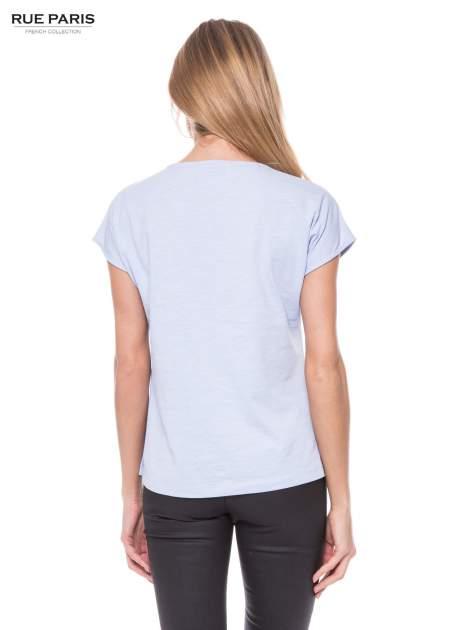 Jasoniebieski t-shirt z koronkowym przodem                                  zdj.                                  2