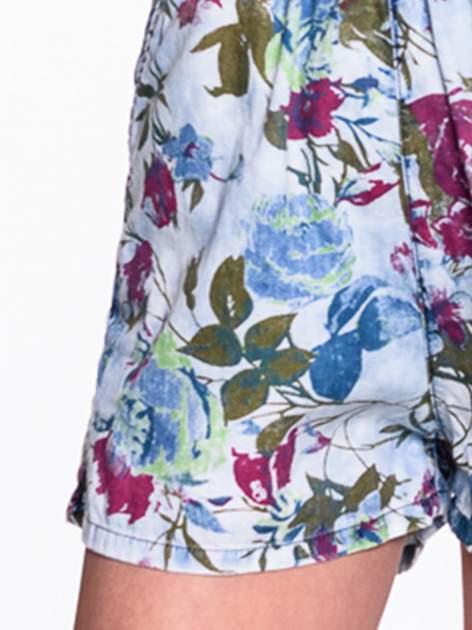 Jeansowy krótki kombinezon w kwiaty                                  zdj.                                  6