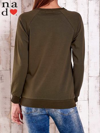 Khaki bluza z nadrukiem serca i napisem JE T'AIME                                   zdj.                                  2