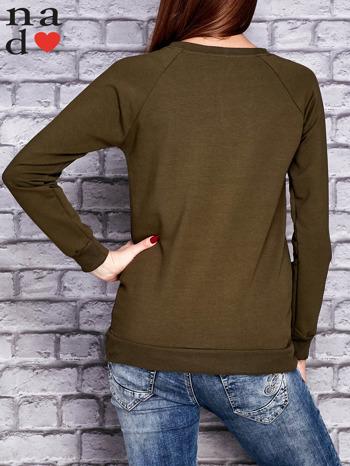 Khaki bluza z napisem PONIEDZIAŁEK POWINIEN BYĆ TYLKO DLA CHĘTNYCH                                  zdj.                                  4