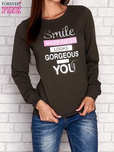 Khaki bluza z napisem SMILE HAPPINESS LOOKS GORGEOUS ON YOU