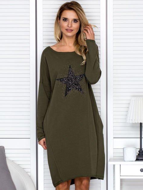 Khaki sukienka z gwiazdą                                   zdj.                                  1