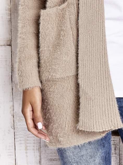 Khaki sweter oversize z kieszeniami                                  zdj.                                  6
