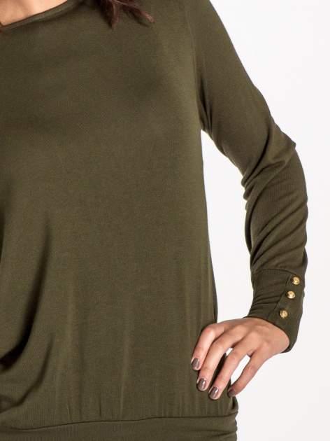 Khaki sweter z kokardą na plecach                                  zdj.                                  5