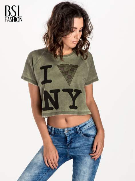 Khaki t-shirt cropped z motywem pizzy