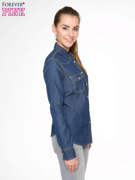 Klasyczna ciemnoniebieska jeansowa koszula z kieszonkami                                  zdj.                                  3