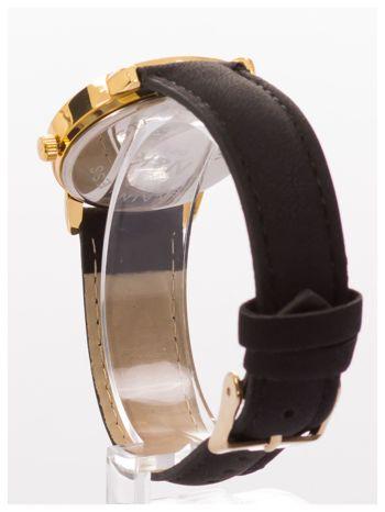 Klasyczny damski zegarek z dyskretnym wzorem na tarczy. Bardzo zgrabny. Delikatny i kobiecy.                                  zdj.                                  4