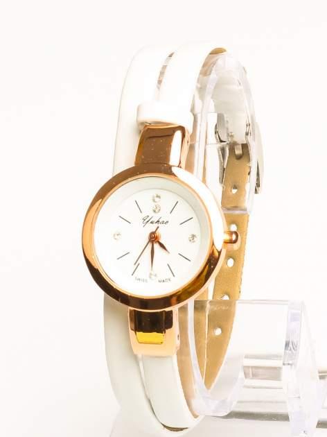 Klasyczny piękny zegarek z cyrkoniami na skórzanym pasku                                  zdj.                                  1