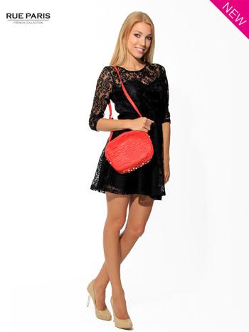 Kloszowana sukienka pokryta na górze czarną przezroczystą koronką                                  zdj.                                  3