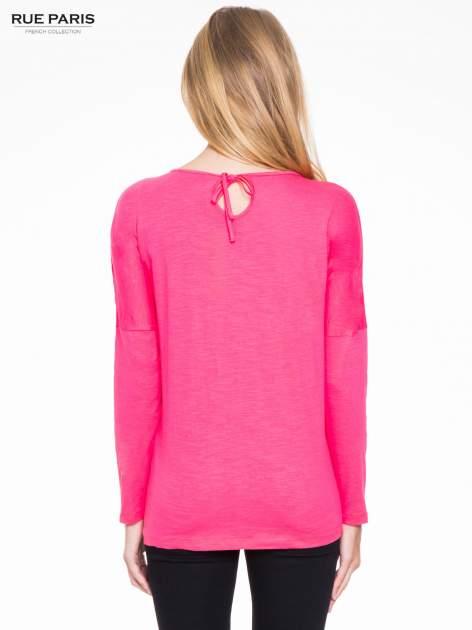 Koralowa bluzka z wiązanym oczkiem z tyłu                                  zdj.                                  4