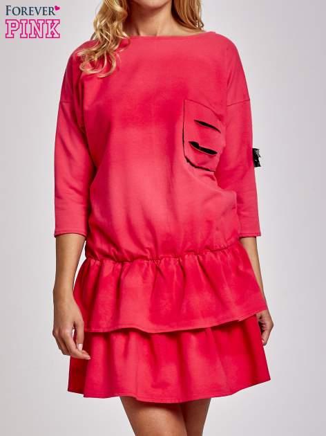 Koralowa sukienka dresowa ombre z podwójną falbaną