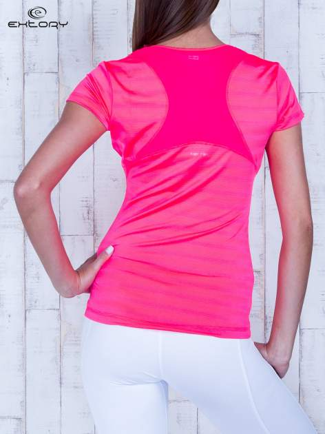 Koralowy t-shirt sportowy w paseczki                                  zdj.                                  2