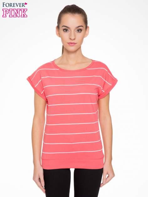 Koralowy t-shirt w paski