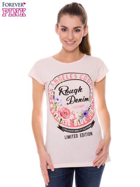 Koralowy t-shirt z dziewczęcym nadrukiem ROUGH DENIM                                  zdj.                                  1