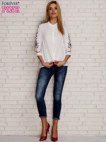 Koszula z drapowaniem i folkowym haftem na rękawach biała                                  zdj.                                  4