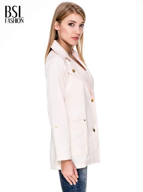 Kremowy żakiet boyfriend jacket z podwijanymi rękawami                                  zdj.                                  3
