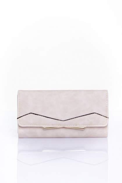Kremowy zamszowy portfel z geometrycznym motywem                                  zdj.                                  1