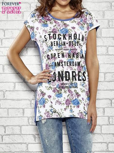 Kwiatowy t-shirt z nadrukiem nazw miast