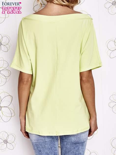 Limonkowy t-shirt z dekoltem w łódkę                                  zdj.                                  4