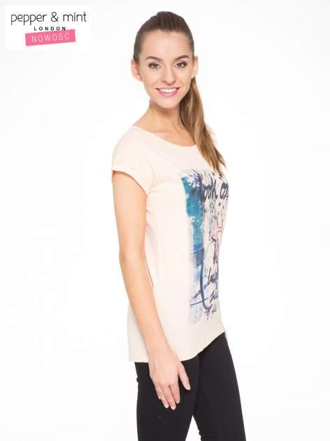 Łososiowy t-shirt z nadrukiem roweru                                  zdj.                                  2