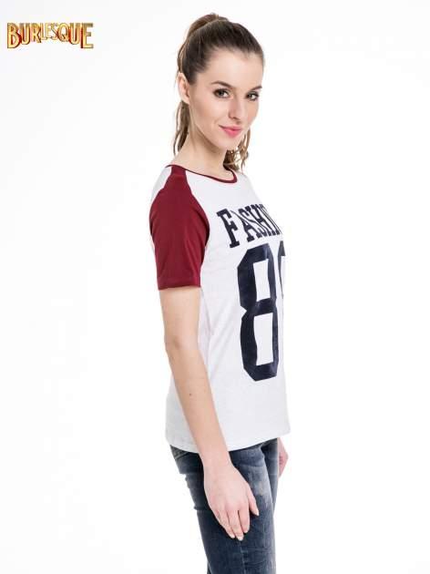 Melanżowo-bordowy t-shirt z nadrukiem FASHION 88                                  zdj.                                  3