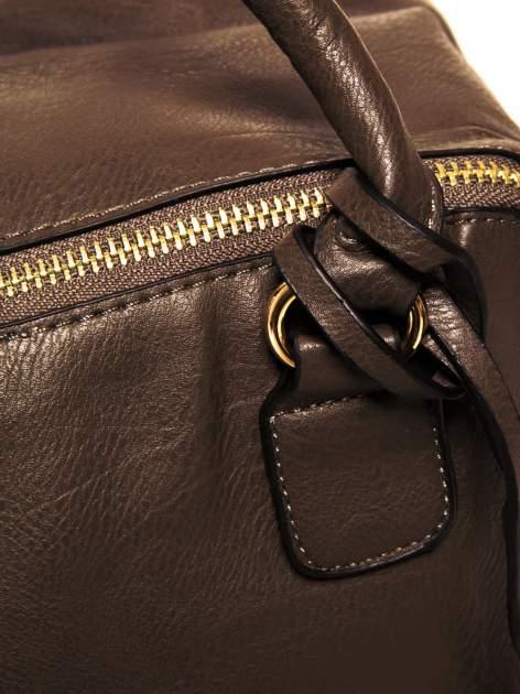 Miękki kuferek w kolorze kawowym                                  zdj.                                  8