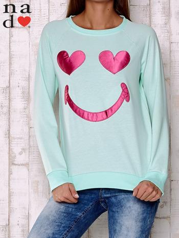 Miętowa bluza z motywem emoji