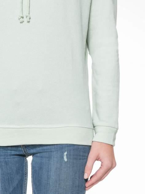 Miętowa długa bluza ze ściąganym kapturokominem                                  zdj.                                  7