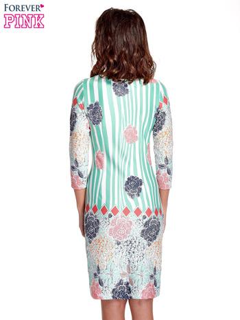 Miętowa sukienka w kwiatowe i geometryczne wzory                                  zdj.                                  4