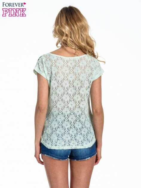Miętowy panterkowy t-shirt z koronką                                  zdj.                                  4