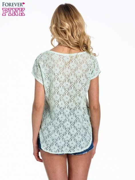 Miętowy panterkowy t-shirt z koronkowym tyłem                                  zdj.                                  4