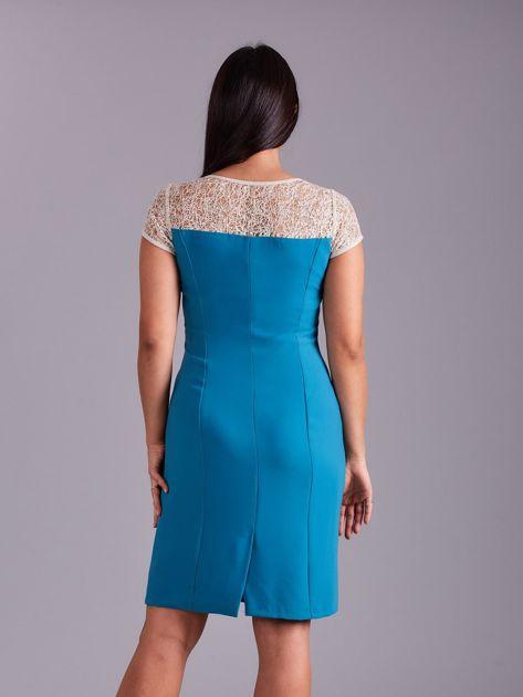 Morska sukienka z ażurowym dekoltem                              zdj.                              2