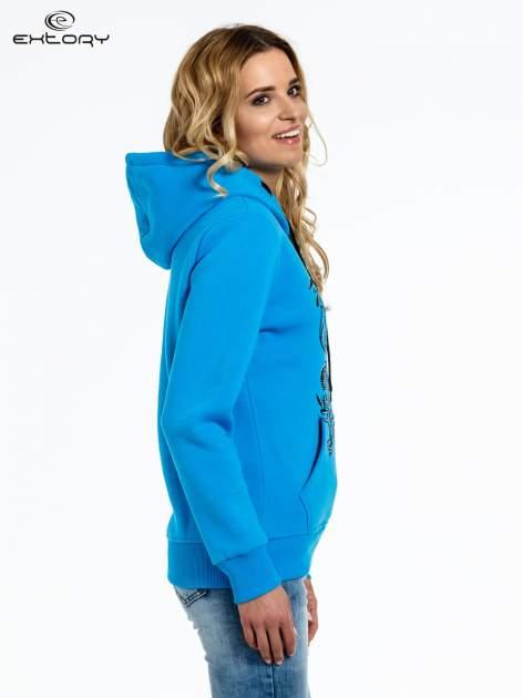 Niebieska bluza sportowa z kapturem i dżetami                                  zdj.                                  3