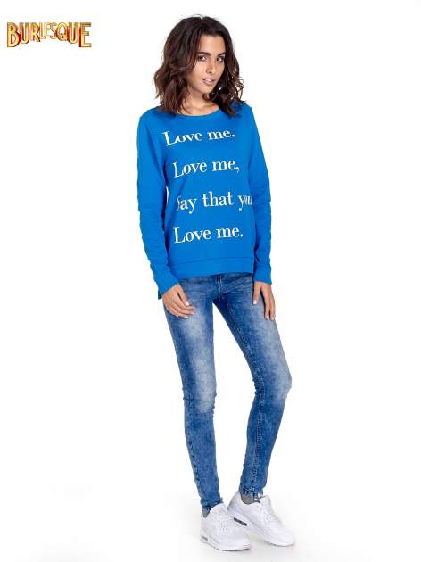 Niebieska bluza z napisem LOVE ME i dłuższym tyłem                                  zdj.                                  2